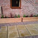 Bac moyen en bois de mélèze 84cm x 30cm x 30cm de la marque Fat Leaf Ltd image 1 produit