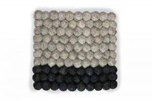 Dessous de plat carré en feutre moderne, Design 20cm Dans de nombreuses couleurs Fabriqué à la main avec des boules en laine mérinos en feutre pour protéger vos meubles et en tant que jolie décoration.Durable et dans la meilleure qualité de la marque 8-N image 0 produit